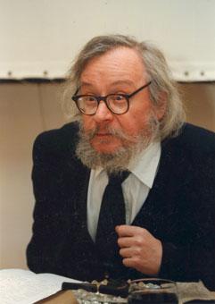 Jerzy Grotowski podczas konferencji prasowej w Ośrodku Grotowskiego, 1997. Fot. M. Cułyński